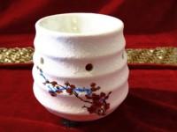 POOJA GHAR WHITE TEXTURE (M) Ceramic Tealight Holder (White, Pack Of 1)