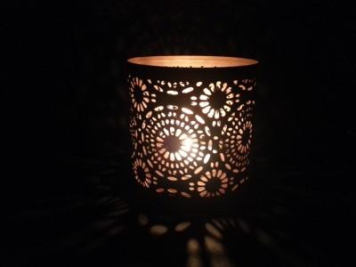 Dazzlingdelineations Dazzling Small Cut Flower Metal Tea Light Votive Holder Iron Tealight Holder (Black, Gold, Pack Of 1)