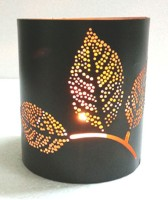 Dazzlingdelineations Dazzling Iron Leaf Tea Light Votive Holder Iron Tealight Holder (Black, Gold, Pack Of 1)