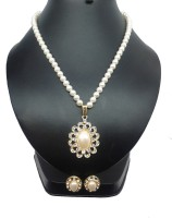 Bling N Beads Classic Design Mother Of Pearl Jewel Set Gold, White