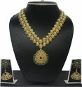 Zaveri Pearls ANTIQUE GOLD TONE NECKLACE SET Alloy Jewel Set - Gold, Green, Red
