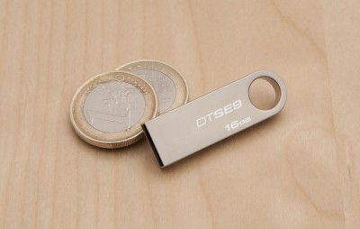 Kingston Data Traveler SE9 16 GB Pen Drive (Silver)