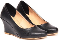 TEN Awesome Black Leather Wedges