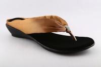 Cenizas Satin Diamond V Flats: Sandal