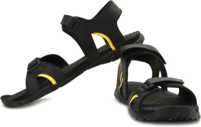 Get Extra 30% Off On Adidas Avior Sandals At Flipkart