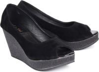 Soft & Sleek 1349 Black Wedges