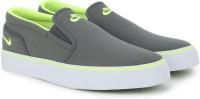 Nike TOKI SLIP TXT Canvas Slip On