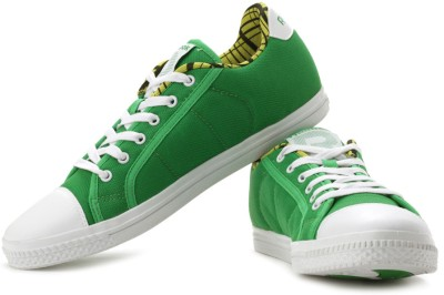 reebok on court v lp canvas shoes available at flipkart
