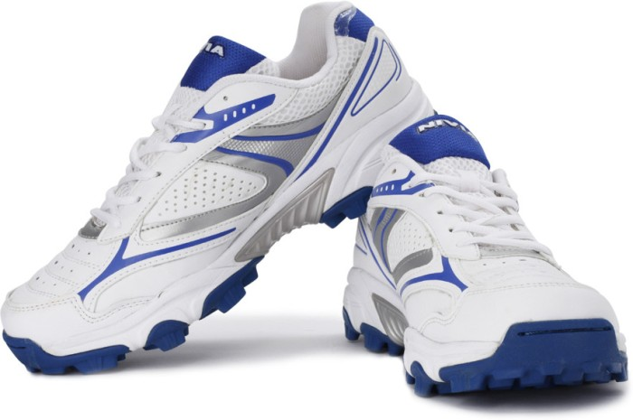 Nivia Auckland Cricket Shoes