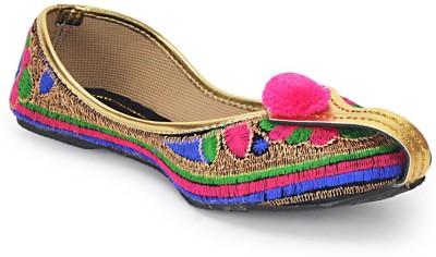 http://linksredirect.com?pub_id=2731CL2612&subid=http://www.flipkart.com/paduki-ethnic-footwear-mojaris/p/itme5gt3ycwvyqzt?pid=SHOE5GT3U64GH3QS&al=ylpccRulled4fREZMpQ%2B0cldugMWZuE7eGHgUTGjVrqY1DYqLMIidvrngdms%2FcGr9lLi3Glwmxk%3D&ref=L%3A6047050502022974038&srno=b_50&findingMethod=ts_women&url=http%3A//www.flipkart.com/