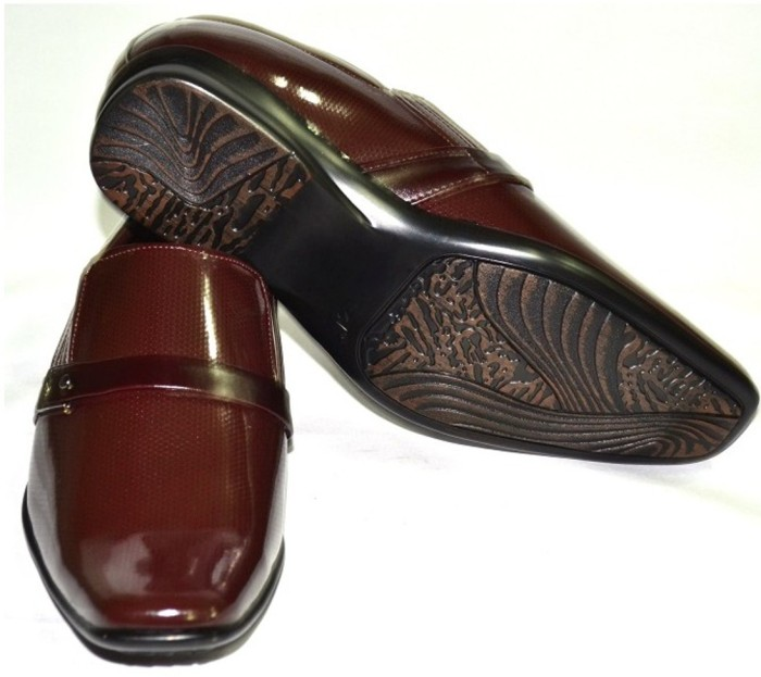 Senso Vegetarian Mens Glossy Brown Formals Slip On Shoes