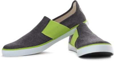Puma Lazy Slip On Sneakers