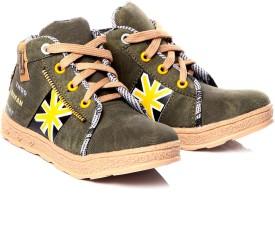 Trilokani Sneakers
