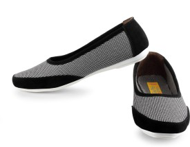 World Of Fashion Slip On Shoes