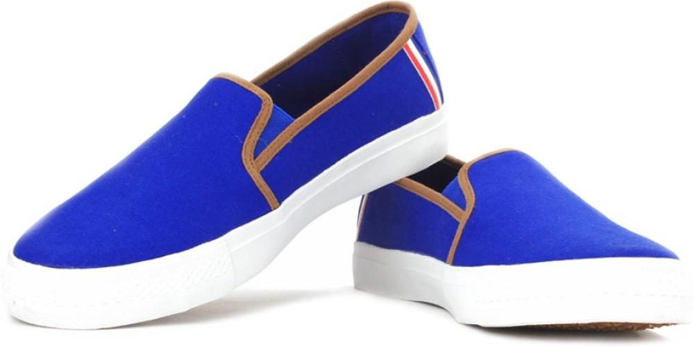 Fila Canvas Shoes