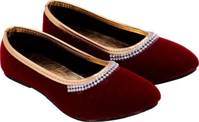 Ridhi Sidhi Well-formed Casual Shoes