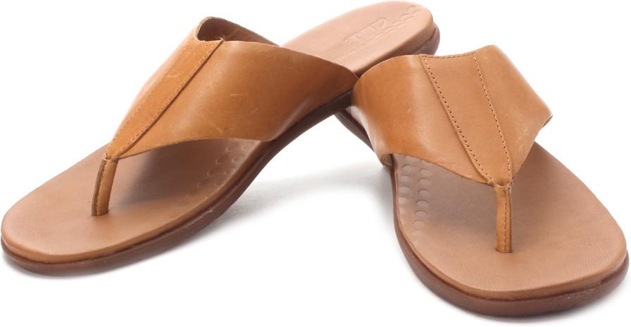 b3b11b8dc1b Buy Clarks Valor Beach Slippers   ₹ 2974 by Clarks from Flipkart ...