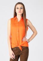 Style Quotient by Noi Casual Sleeveless Solid Women's Top