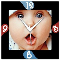 Amore Amore Shocked Baby Analog Wall Clock (Multicolor)